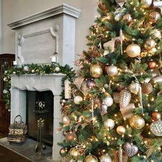 Swiss Christmas Decorator Château Gütsch Christmas Tree Decorations, Holiday Decor, Hotels, Floral Design, Stationery, Lights, Ornaments, Festive, Stylish