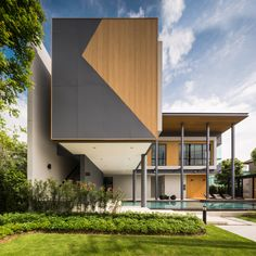 Life Bangkok Boulevard • Ramintra 65 by SC Asset Gate Design, House Design, Lampang, Floating House, Entrance Gates, Residential Architecture, Bangkok, Exterior, House Styles