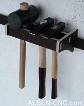 French Cleat hand tool holder – ALS-CNC – workant Workshop Storage, Workshop Organization, Garage Workshop, Workshop Ideas, Diy Garage Storage, Tool Storage, Storage Racks, French Cleat, Diy Workbench