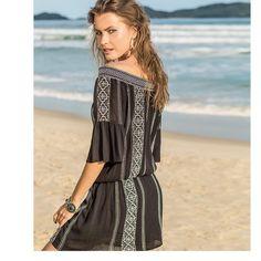 Ethnic vibes: vestido cigana com bordados handmade. Eu quero! 😍 #shoulderfashion #vestido #ombroaombro #bordado #handmade #etnico #praia #verão #penaareia