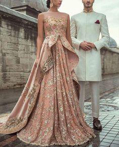 Lehenga blouse design Reception Gown, Indian Reception Outfit, Pakistani Couture, Indian Bridal Lehenga, Pakistani Wedding Dresses, Indian Wedding Outfits, Indian Outfits, Indian Dresses, Bridal Anarkali Suits
