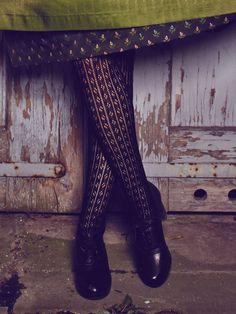 Trachten Strümpfe in Schwarz von Gottseidank Ootd Fashion, Women's Fashion Dresses, Dirndl Dress, She Walks In Beauty, Costume Patterns, Flattering Dresses, To Go, Dress Me Up, Traditional Outfits