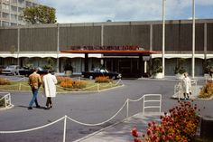 Intercontinental Hotel (later Jury's ) Ballsbridge, Dublin I had my Debs.here in 1972 Cafe Seating, Irish Men, Dublin Ireland, Best Memories, Wonderful Places, Old Photos, Places To Visit, Street View, Romance