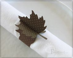 Thanksgiving Table Decor Thanksgiving Paper Napkin Ring Holiday Decoration Autumn Decor Fall Decor Brown Table Decor Leaf Brown Setof4 LF05