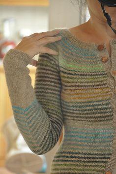 striped cardigan. free pattern. mon petit gilet rayé. noro sock yarn. ravelry.