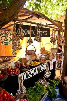 Hawkes Bay farmers market, New Zealand.  Photo: mattdwen, via Flickr