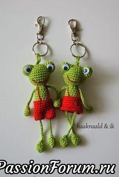 Adventure with a crochet hook . Crochet hugs and more ! - Adventure with a crochet hook . Crochet hugs and more ! Crochets En Crochet, Crochet Frog, Cute Crochet, Crochet Dolls, Easy Crochet, Crochet Baby, Crochet Keychain Pattern, Crochet Hook Case, Amigurumi Patterns