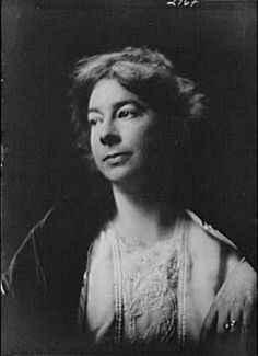 Sara Teasdale, the first woman to win the Pulitzer Prize for Poetry in 1918.