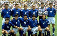 Seleccion de Italia en Estados Unidos 94:  Maldini, Berti, Mussi, Massaro, Pagliuca, Dino Baggio, Donadoni, Albertini, Roberto Baggio, Benarrivo, Baresi (c).