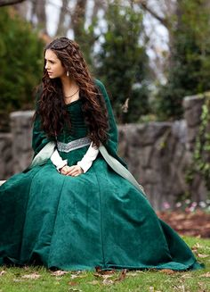ImageFind images and videos about the vampire diaries, tvd and Nina Dobrev on We Heart It - the app to get lost in what you love. 1800s Dresses, Old Dresses, Vintage Dresses, Vampire Diaries Costume, Vampire Diaries Fashion, Nina Dobrev Vampire Diaries, Vampire Diaries Stefan, Katherine Pierce Outfits, Katharina Petrova