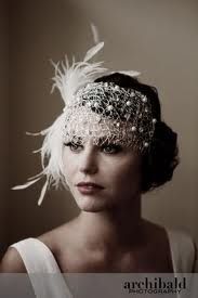 fascinator styles Here are some stunning images and ideas to help you plan a wedding, with inspiration from The Great Gatsby. Great Gatsby Wedding, 1920s Wedding, Wedding Veils, Wedding Dresses, Hair Wedding, Gatsby Party, Perfect Wedding, Wedding Makeup, Wedding Art