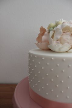 Wedding & Engagement Cakes - paper & poppies