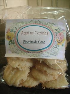 Biscoito de Coco Que Derrete na Boca | Aqui na Cozinha Food Net, Cooking Cookies, Substitute For Egg, Whoopie Pies, Drinking Tea, Biscotti, Healthy Snacks, Good Food, Food And Drink