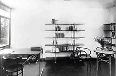 The Secret of Mart Stam Bauhaus Interior, Bauhaus Furniture, Retro Furniture, Furniture Design, Mart Stam, Cantilever Chair, Walter Gropius, Bentwood Chairs, Ludwig Mies Van Der Rohe