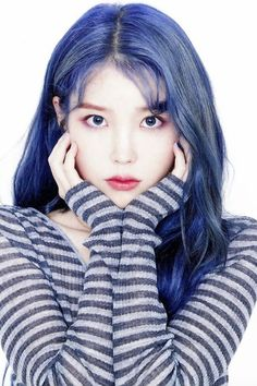 Blue hair seems to making its rounds around idol circles, and so, here's a list of idols who totally rocked the bright blue hair color! Bright Blue Hair, Hair Color Blue, New Hair Colors, Cute Korean Girl, Asian Girl, Kpop Girl Groups, Kpop Girls, Kpop Hair Color, Iu Hair