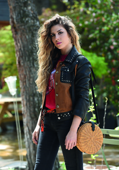 Diana, Vest, Music, Jackets, Outdoor, Iphone, Fashion, Models, Famous Singers
