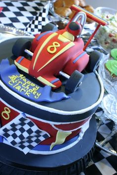 race car cake My Richie would LOVE this! Race Car Birthday, Race Car Party, Cars Birthday Parties, Boy Birthday, Birthday Cakes, Theme Parties, Birthday Ideas, Racing Cake, Race Car Cakes