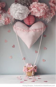 "Heart ""Hot Air"" Balloon Set - Easy DIY Photo Props for Valentine's Day - Compiled by I Heart Faces Photography Blog"