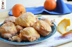 Per fare le Frittelle veloci all' arancia ci vogliono pochissimi minuti e non hanno bisogno di lievitazione, un dolce favoloso e profumato, ottimo per la merenda