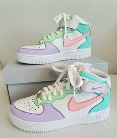 Dr Shoes, Cute Nike Shoes, Swag Shoes, Cute Nikes, Cute Sneakers, Hype Shoes, Shoes Sneakers, High Top Sneakers, Jordan Shoes Girls