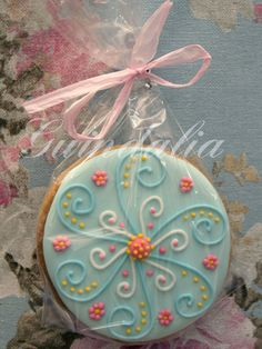 Pretty cookie design.