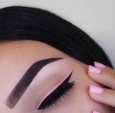 Natural eye make up with a pop of pink eyeliner - a fresh way to inject a bit of colour to a neutral eye #trendin...x