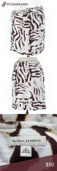 """Banana Republic skirt size 6 Hey gorgeous, thank you for checking out my closet. This is a Banana Republic casual skirt size 6. Main color is ivory with an abstract animal print in brown. It's fully lined and 100% linen. Approximate measurements laying flat: 19"""" length, 15 1/2"""" waist. Banana Republic Skirts Pencil"""