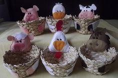 cestinha fazenda Woody Birthday Parties, Fourth Birthday, Happy Birthday, Pony Rides, Easter Parade, Farm Party, Ice Cream Party, Wool Felt, Party Favors