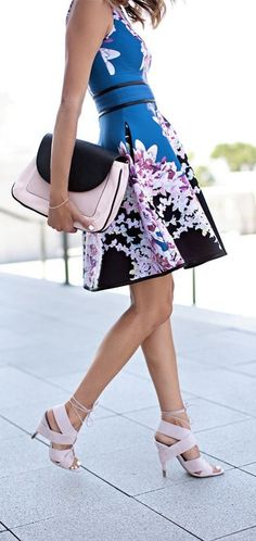 #street #style floral dress + pink @wachabuy