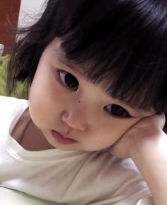 😔 Best Picture For kids smile For Your Taste You are looking for somethin - Cute Asian Babies, Korean Babies, Asian Kids, Cute Babies, Cute Baby Names, Cute Little Baby, Cute Baby Girl, Little Babies, Cute Chinese Baby