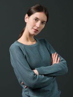 WOLFEN GERMANY. MAEVE / sweater.   This casual raglan sleeve sweater in honeycomb pattern is made of pure 100% cotton.