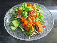 Tinskun keittiössä: Sairaan hyvä salaatinkastike Stuffed Peppers, Vegetables, Food, Stuffed Pepper, Essen, Vegetable Recipes, Meals, Yemek, Stuffed Sweet Peppers