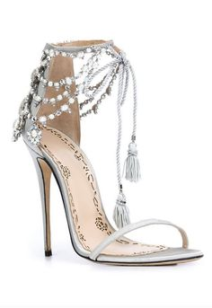 heeled shoes - Shoe Inspiration - Marchesa - MODwedding - Apocalypse Now And Then Fancy Shoes, Cute Shoes, Me Too Shoes, Silver Wedding Shoes, Sandals Wedding, Gold Wedding, Shoe Boots, Shoes Heels, Heeled Sandals