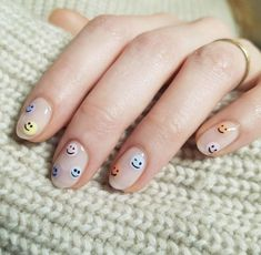 Tendencia de Uñas Verano 2020 - REAL ROSY CHIC Minimalist Nails, Spring Nail Art, Spring Nails, Summer Nails, Winter Nails, Best Acrylic Nails, Acrylic Nail Designs, Best Nail Art, Fruit Nail Designs