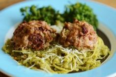SO FLAVORFUL & guilt- free sun dried tomato turkey meatballs & pesto spaghetti squash.  Gluten free and paleo friendly.  Toddler & kid approved meal/recipe/food.