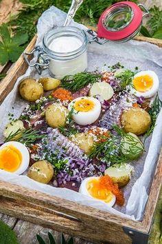 My midsummer on Gotland I Love Food, Good Food, Yummy Food, Tapas, Scandinavian Food, Swedish Recipes, Cooking Recipes, Healthy Recipes, Recipes From Heaven