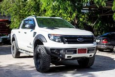 Ford ranger 2013 I'm in love with these truck! They drive so nice Hot Rod Trucks, Diesel Trucks, Ford Trucks, Pickup Trucks, Ford Rapter, Car Ford, Ford Mustang, Ford Ranger 2013, Ford Ranger Raptor