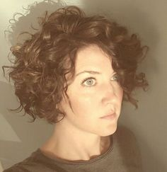 Loose curl bob-perfect for natural curly hair.