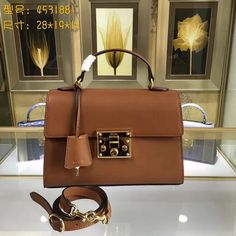 "698aaf020914 ""gucci 453188 padlock signature top handle bag gucci women bag whatsapp:  8613660598258 ""中的照片 - Google 相册. Wholesalehandbagstore · Gucci Handbags ..."
