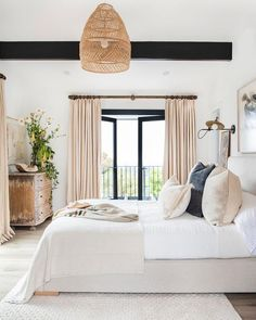 Modern Bedroom Design Ideas for a Dreamy Master Suite - jane at home Beautiful bedroom inspiration -- Janette Mallory Interiors Airy Bedroom, Home Decor Bedroom, Trendy Bedroom, Bedroom Beach, Bedroom Neutral, Light Bedroom, Tan Bedroom, Peaceful Bedroom, Bedroom Drapes
