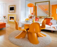 Round colorful dining room table ideas with contemporary chairs design | Decolover.net