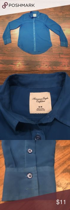 American eagle button up Shear Blue Button up American eagle! Size M American Eagle Outfitters Tops Button Down Shirts