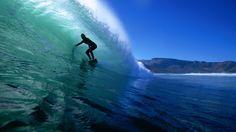 El surfing es un deporte mas importante de El Salvador. La libertad es la más visitado por surfistas de todo el mundo. -M. Barker