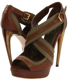 Alexander McQueen... I can't wear these shoes because of my feet!!!! ... but I like them!