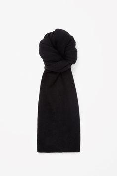COS   Cashmere scarf