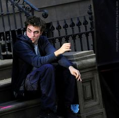 *** SITTING ON THE STEPS WITH TYLER: FILMING REMEMBER ME IN NEW YORK 2009 ***