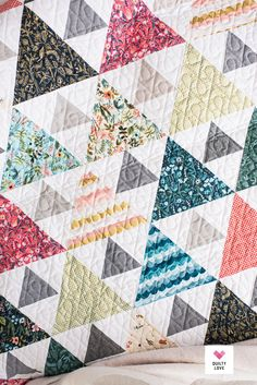 Triangle Peaks quilt pattern by Emily of Includes 4 size options: Baby, Throw, Twin and Quarter or yard cutting beginner friendly. Scrappy Quilts, Easy Quilts, Owl Quilts, Batik Quilts, Triangle Quilt Pattern, Triangle Quilts, Modern Quilt Patterns, Fat Quarter Quilt Patterns, Modern Baby Quilts