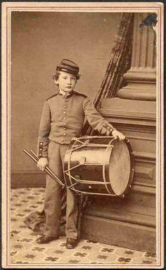 Little Drummer boy from the War ~ Union; reminds me of Johnny Clem. American Civil War, American History, War Drums, Drummer Boy, War Image, War Photography, Civil War Photos, World History, Vintage Pictures