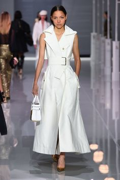 Ralph & Russo Spring 2018 Ready-to-Wear Fashion Show Collection: See the complete Ralph & Russo Spring 2018 Ready-to-Wear collection. Look 38 Super Moda, Ralph & Russo, Current Fashion Trends, Leather Dresses, White Leather Dress, Black Leather, Lambskin Leather, Fashion Show Collection, Spring Collection