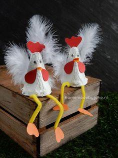Kippen van een eierdoos maken - Homemade by Joke easterart Diy Home Crafts, Easy Diy Crafts, Creative Crafts, Fun Diy, Easter Crafts For Kids, Diy For Kids, Bunny Crafts, Chicken Crafts, Egg Carton Crafts